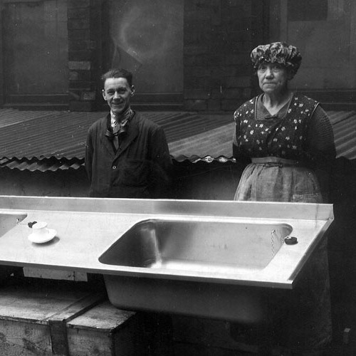 12-1930s-sissons-start-to-make-domestic-sinks-from-stainless-steel_500x500_acf_cropped